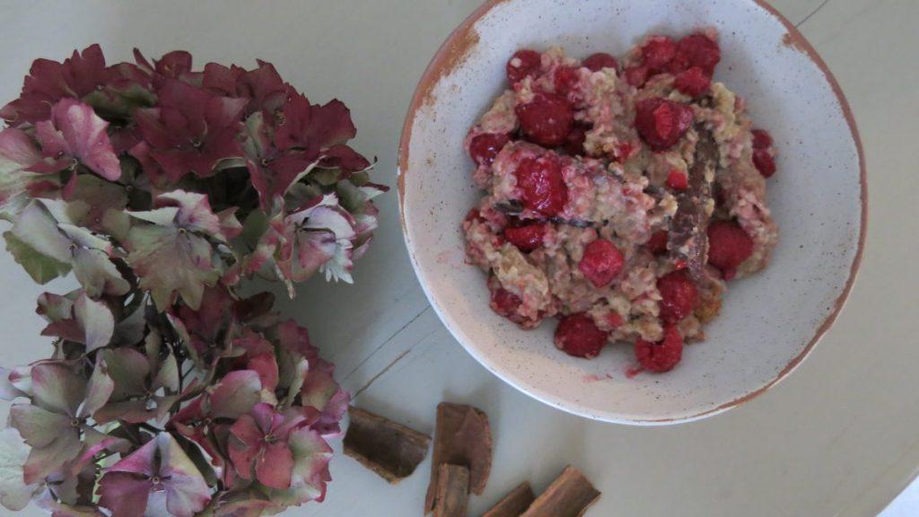Aguaje Raspberry and Cinnamon Porridge